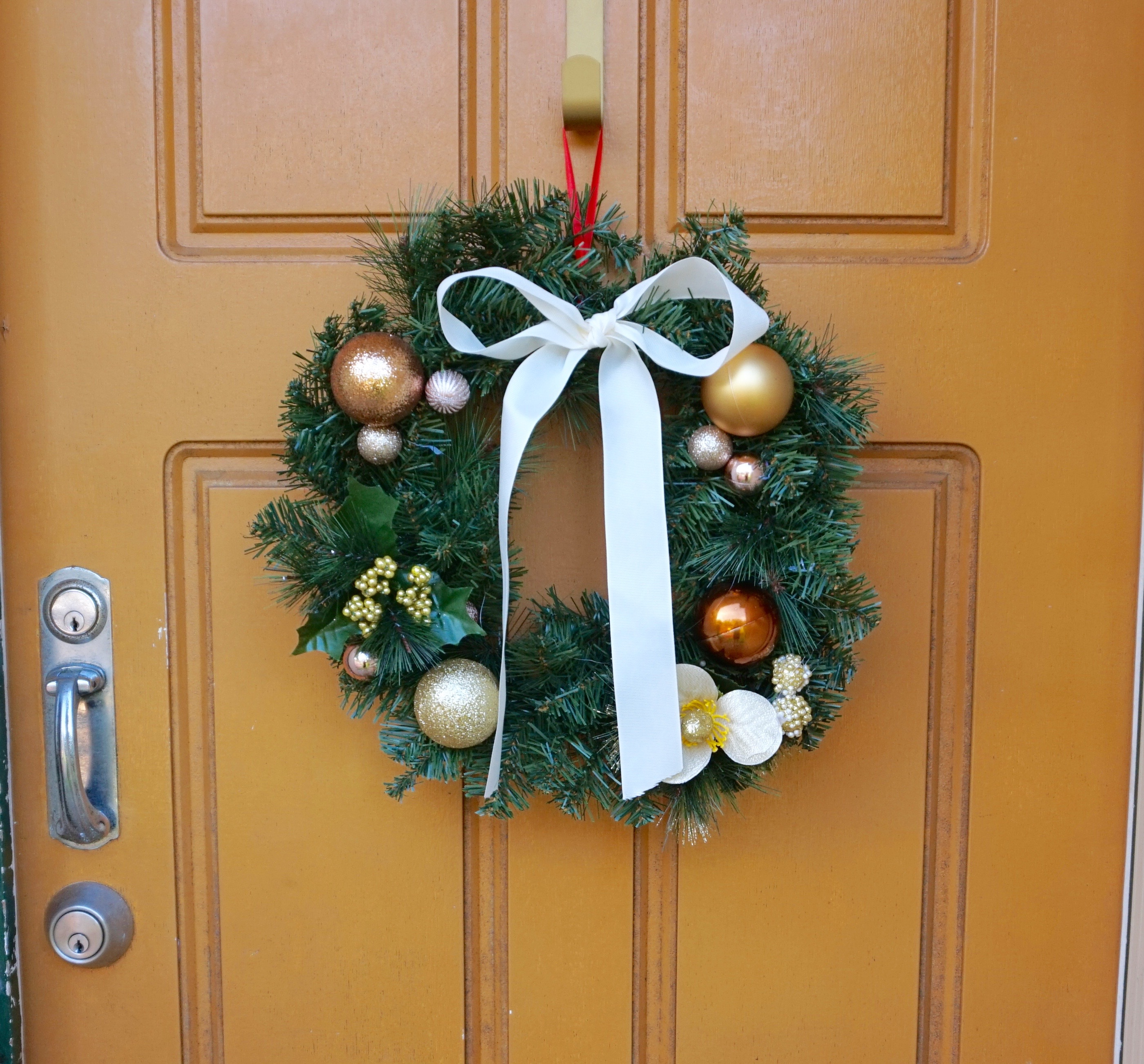 Diy your own christmas wreath for under 10 our wandering mind - Admirable christmas wreath decorating ideas to welcome the december ...